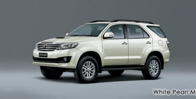 white-pearl-fortuner 2013